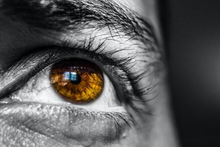 Co čeká vaše oči po krizi středního věku?